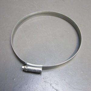 Clip exhaust